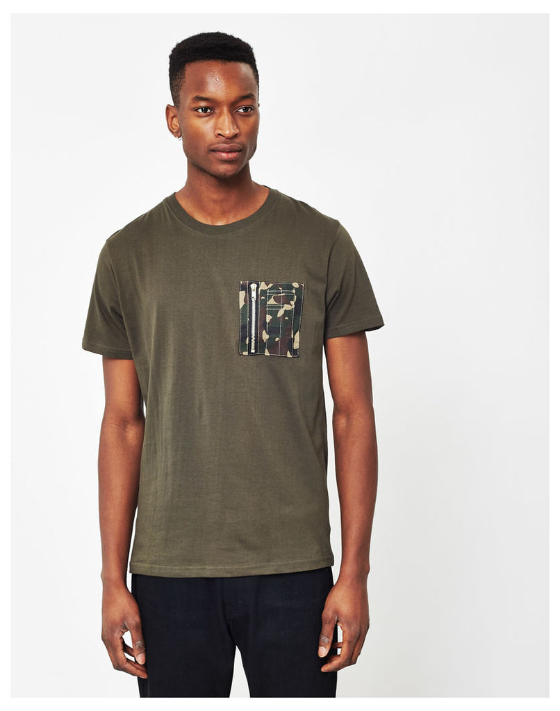 The Idle Man Crew Neck T-Shirt With Camo Pocket Green