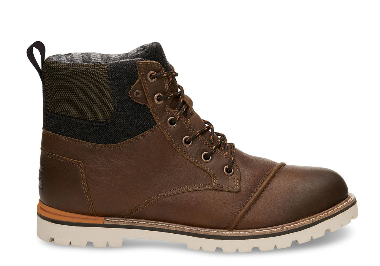Product Catalog: Footwear SKU:889556121649
