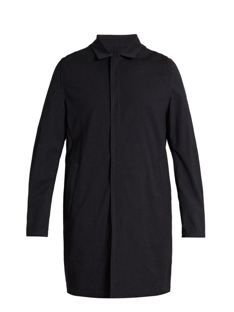 Point-collar wool-blend seersucker coat