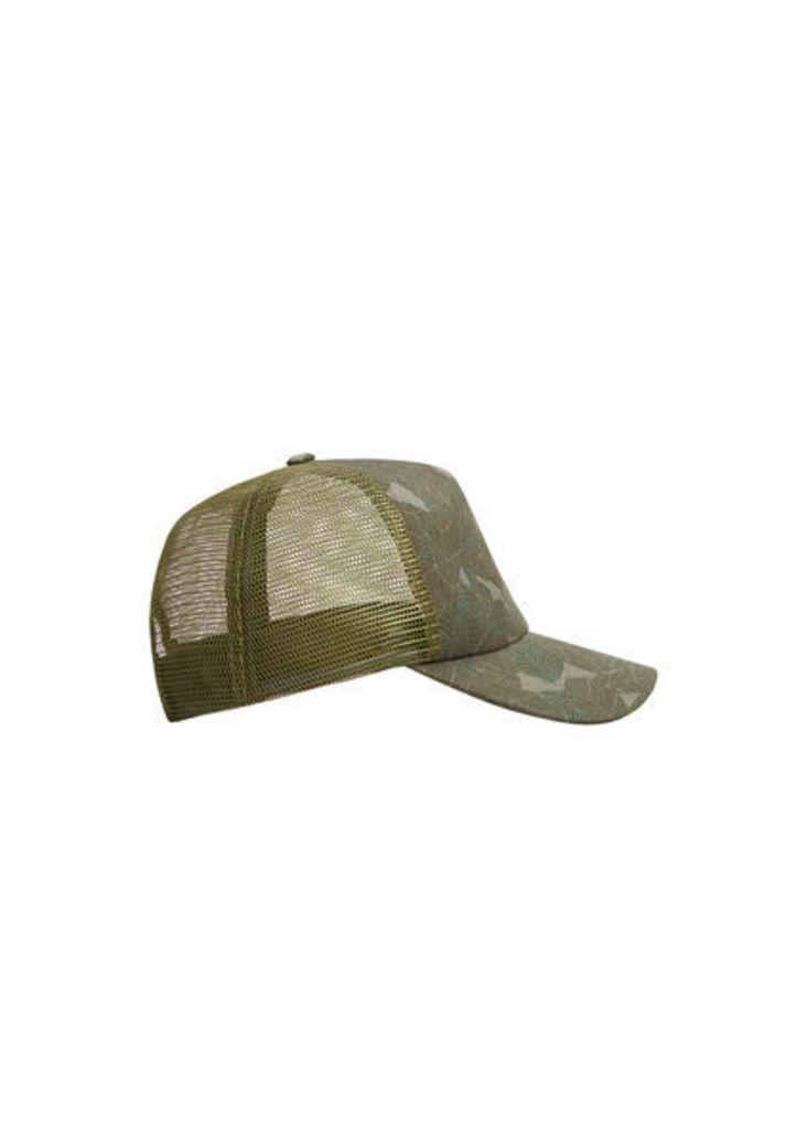 Leaf-print cap