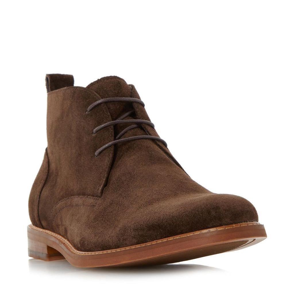 Magnus Round Toe Chukka Boot