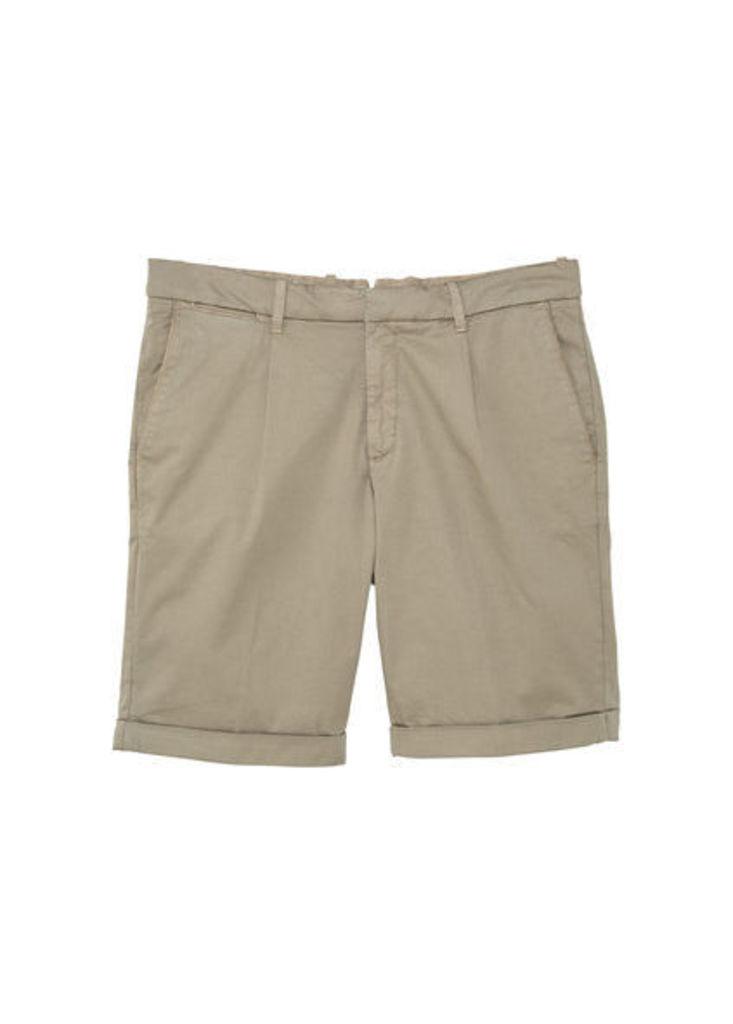 Cotton pleated bermuda shorts