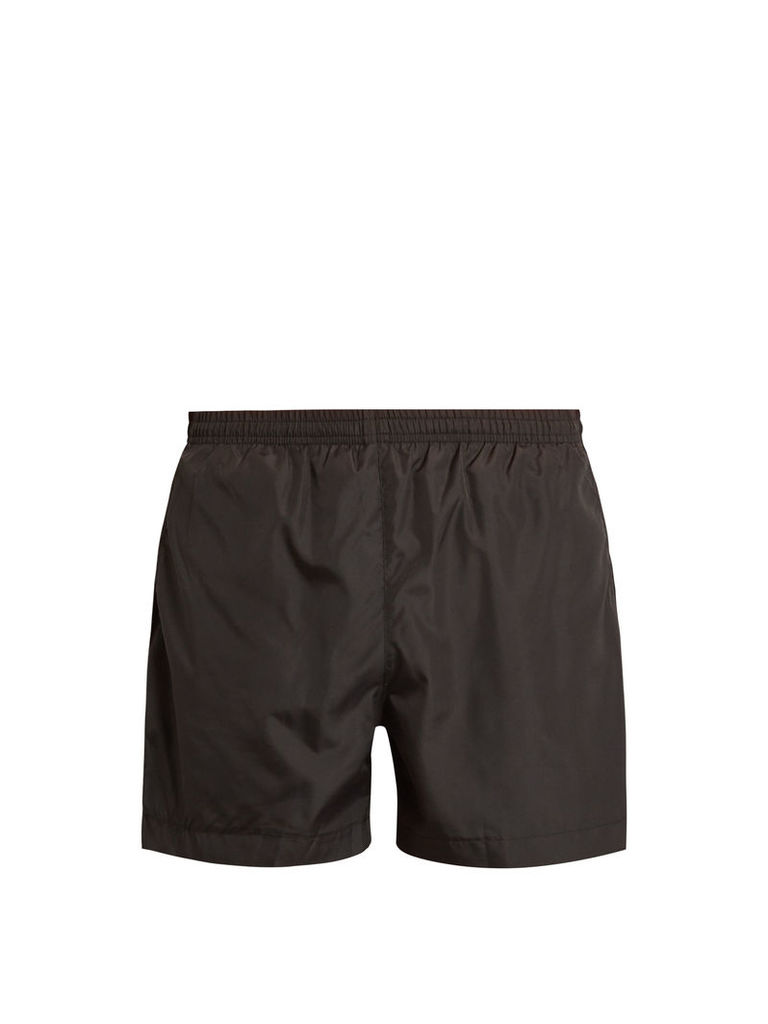 Base running shorts