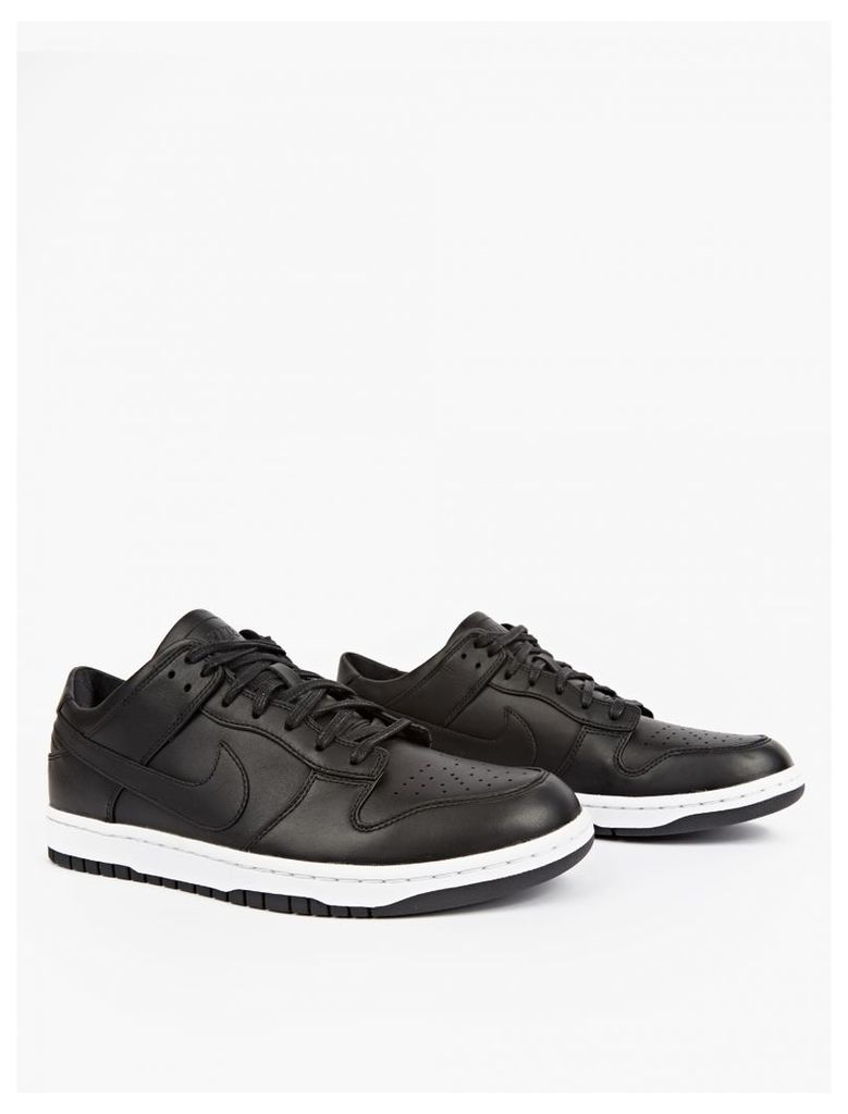 Dunk Lux Low Sneakers