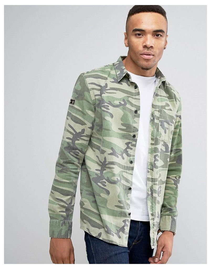 New Look Overshirt With Badge Detail In Camo - Khaki