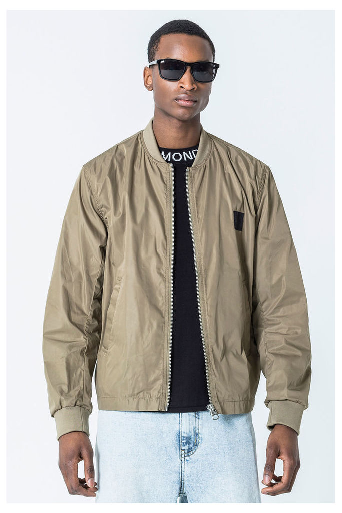 Buckle Bomber