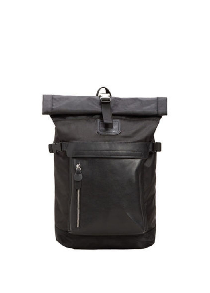 Contrasting backpack