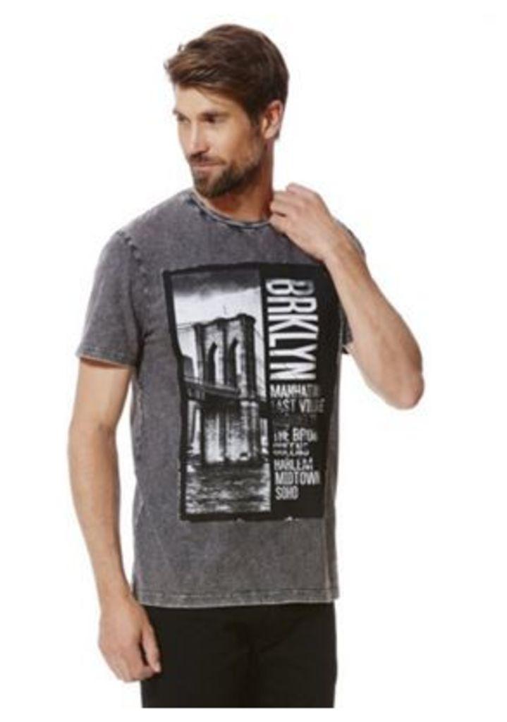 F&F Brooklyn Bridge Acid Wash T-Shirt, Men's, Size: 4XL