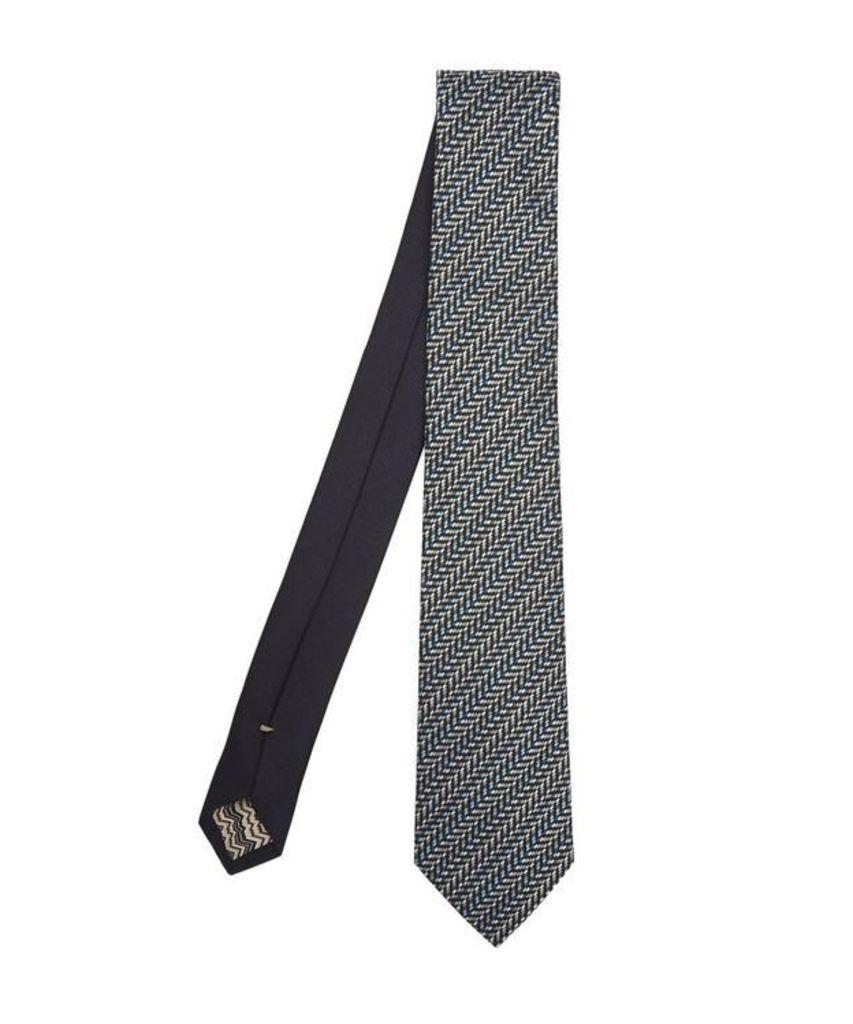 Multi-Thread Directional Zig-Zag Woven Tie
