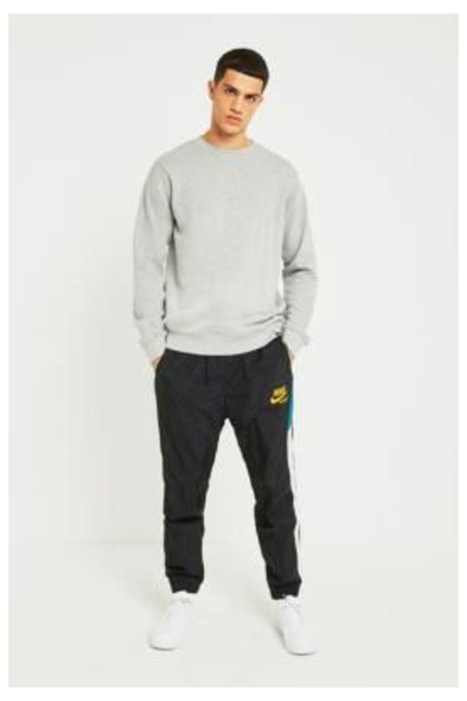 Nike Sportswear Heritage Black Woven Track Pants, BLACK