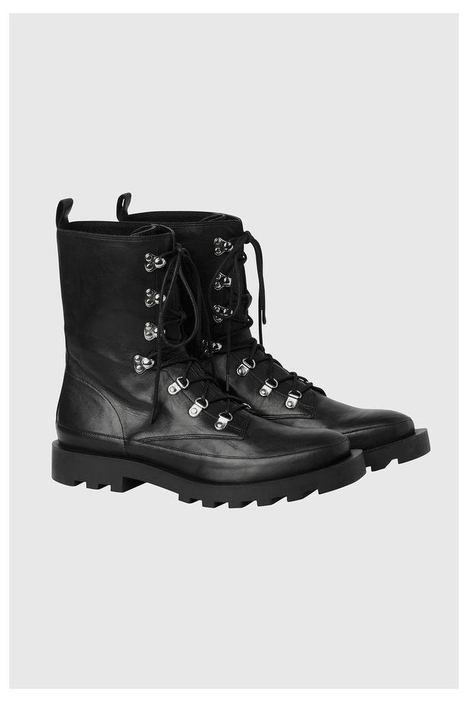 Go Boot
