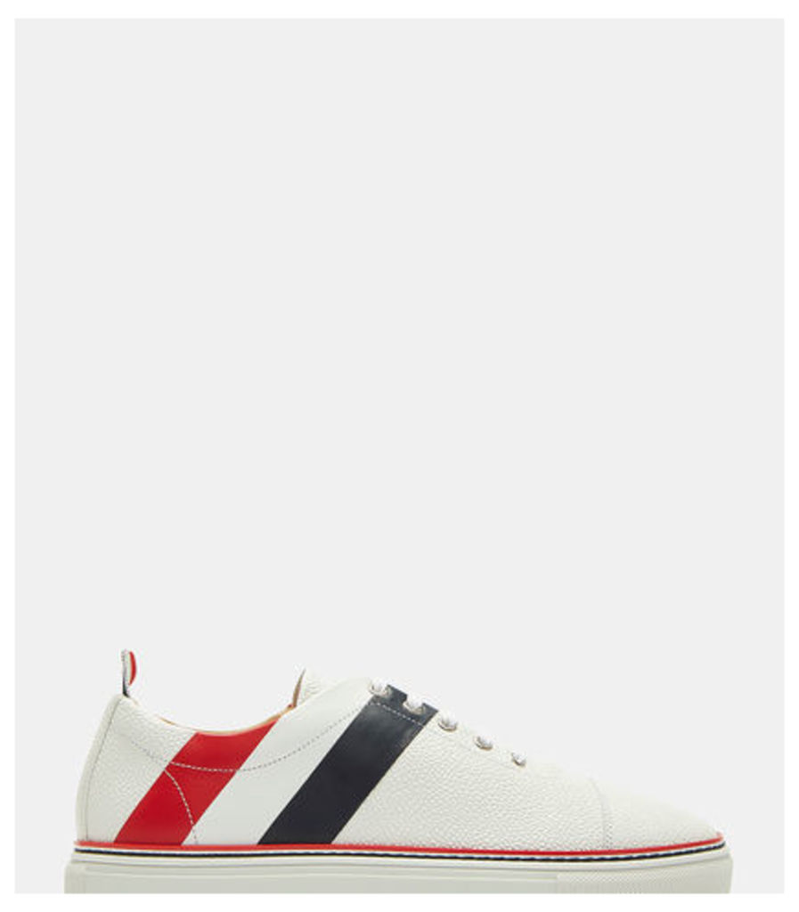 Diagonal Striped Pebble Grained Sneakers