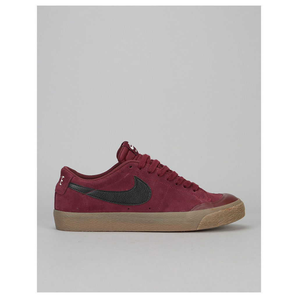 Nike SB Blazer Low XT Skate Shoes - Dark Team Red/Black-Gum Brown-Sail (UK 7)